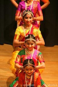 Bharat-Natyam-Poses-11