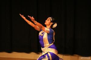 Bharat-Natyam-Poses-12