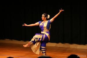 Bharat-Natyam-Poses-14