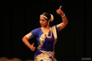 Bharat-Natyam-Poses-15