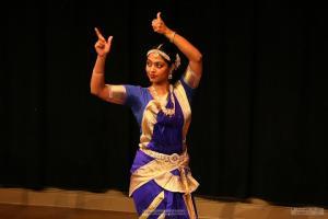 Bharat-Natyam-Poses-16