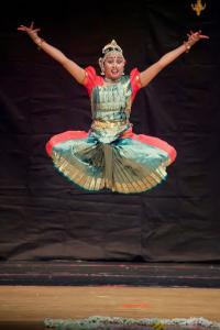 Bharat-Natyam-Poses-17