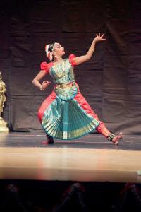 Bharat-Natyam-Poses-20