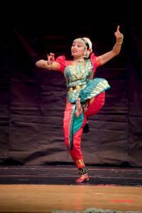 Bharat-Natyam-Poses-21