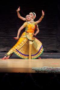 Bharat-Natyam-Poses-27