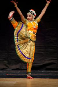 Bharat-Natyam-Poses-28