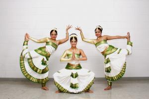 Bharat-Natyam-Poses-4