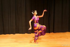 Bharat-Natyam-Poses-6