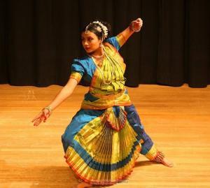 Bharat-Natyam-Poses-8