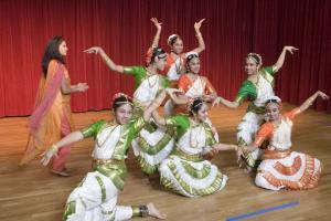 Bharat-Natyam-Poses-9
