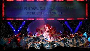 Naya-Andaz-2012-Holi-Re-and-Silsila-1