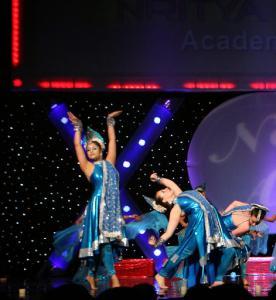 Naya-Andaz-2012-Holi-Re-and-Silsila-12