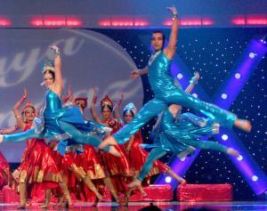 Naya-Andaz-2012-Holi-Re-and-Silsila-15