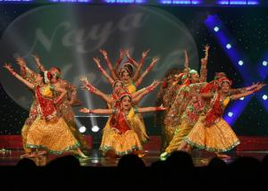 Naya-Andaz-2012-Holi-Re-and-Silsila-20
