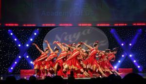 Naya-Andaz-2012-Holi-Re-and-Silsila-8